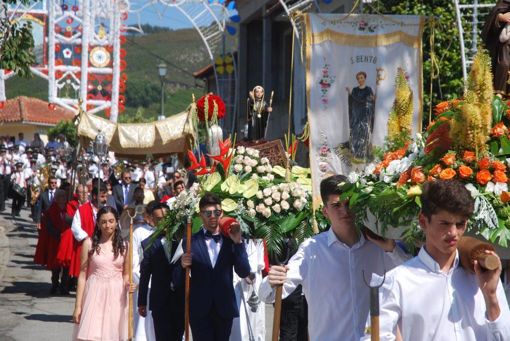 RIBEIRA DO NEIVA: S. Bento de Pedregais venerado em tarde de muito calor