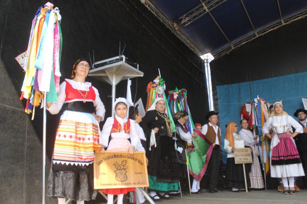 VILA VERDE: Tarde de calor e tradição no V Festival Folclórico do GFRC de Atiães