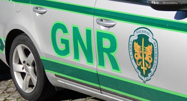 REGIÃO - Mulher identificada por roubo em instituição bancária em Guimarães