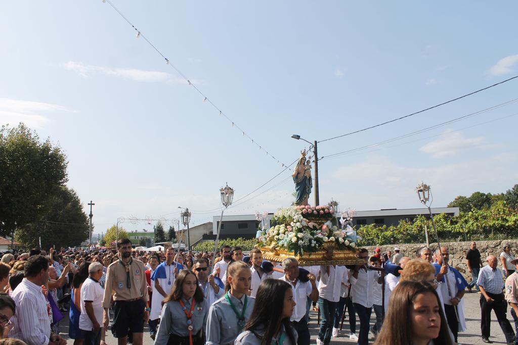 VILA VERDE – Milhares de pessoas saudaram Senhora do Alívio