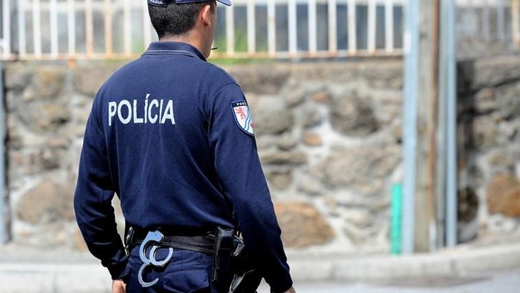 CRIME – Duo pagava com nota falsa de 100 euros e ficava com o troco
