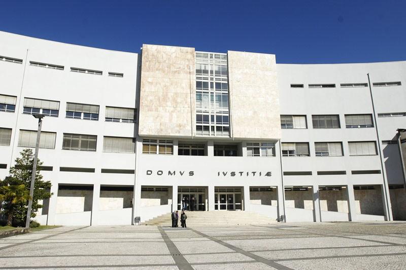 JUSTIÇA - Tribunal manda julgar homem que asfixiou mulher em Salamonde, Vieira do Minho