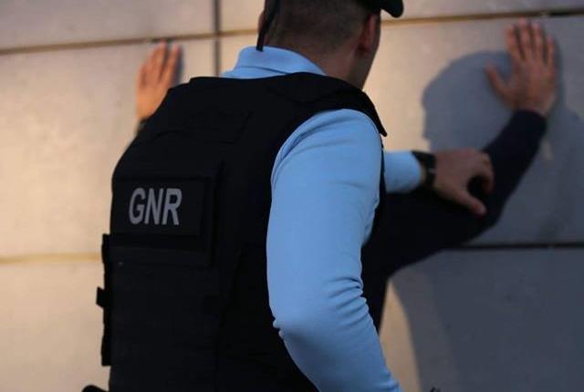 REGIÃO – GNR detém três jovens por furto em Famalicão