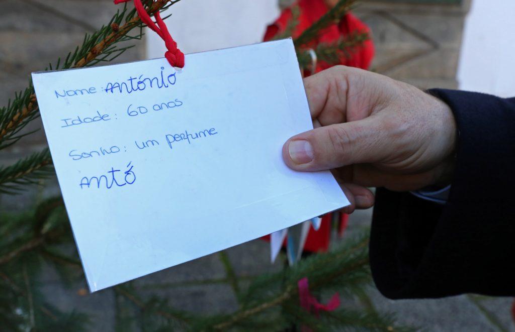 BRAGA – Rua dos Biscainhos recebe árvore dos 'Sonhos de Natal'