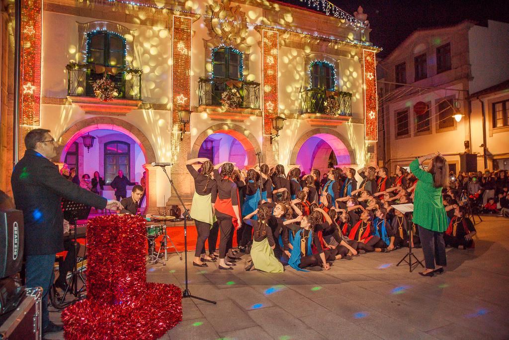 REGIÃO – Esposende já está iluminada para o Natal
