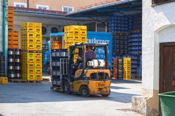 """Main image for the blog titled """"Why Should You Choose Forklift Select: Viper Lift Trucks Authorized Top Dealer"""" by Forklift Select"""