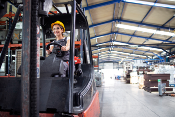 """featured image of the blog titled """"Qualifications of a Good Online Electric Forklift Dealer"""""""
