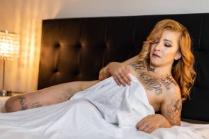 glamour model experience sample photo