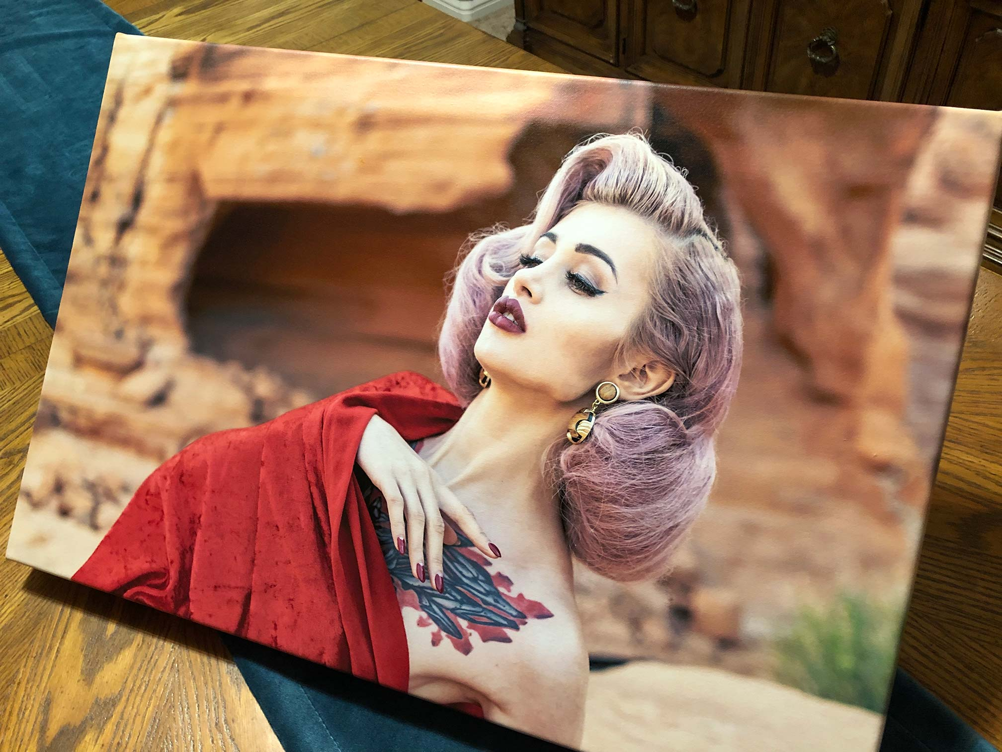 traditional canvas on an easel (product photo)