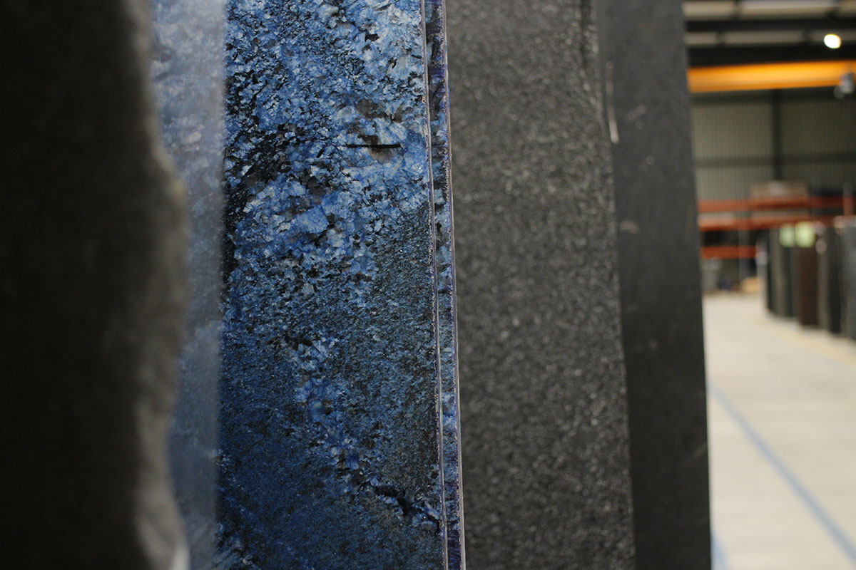 Plaque de granit brut