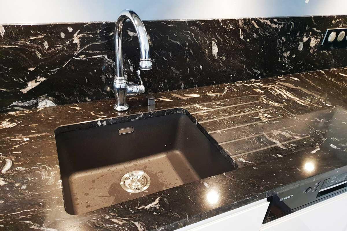 Réalisation d'un évier en granit pour votre cuisine