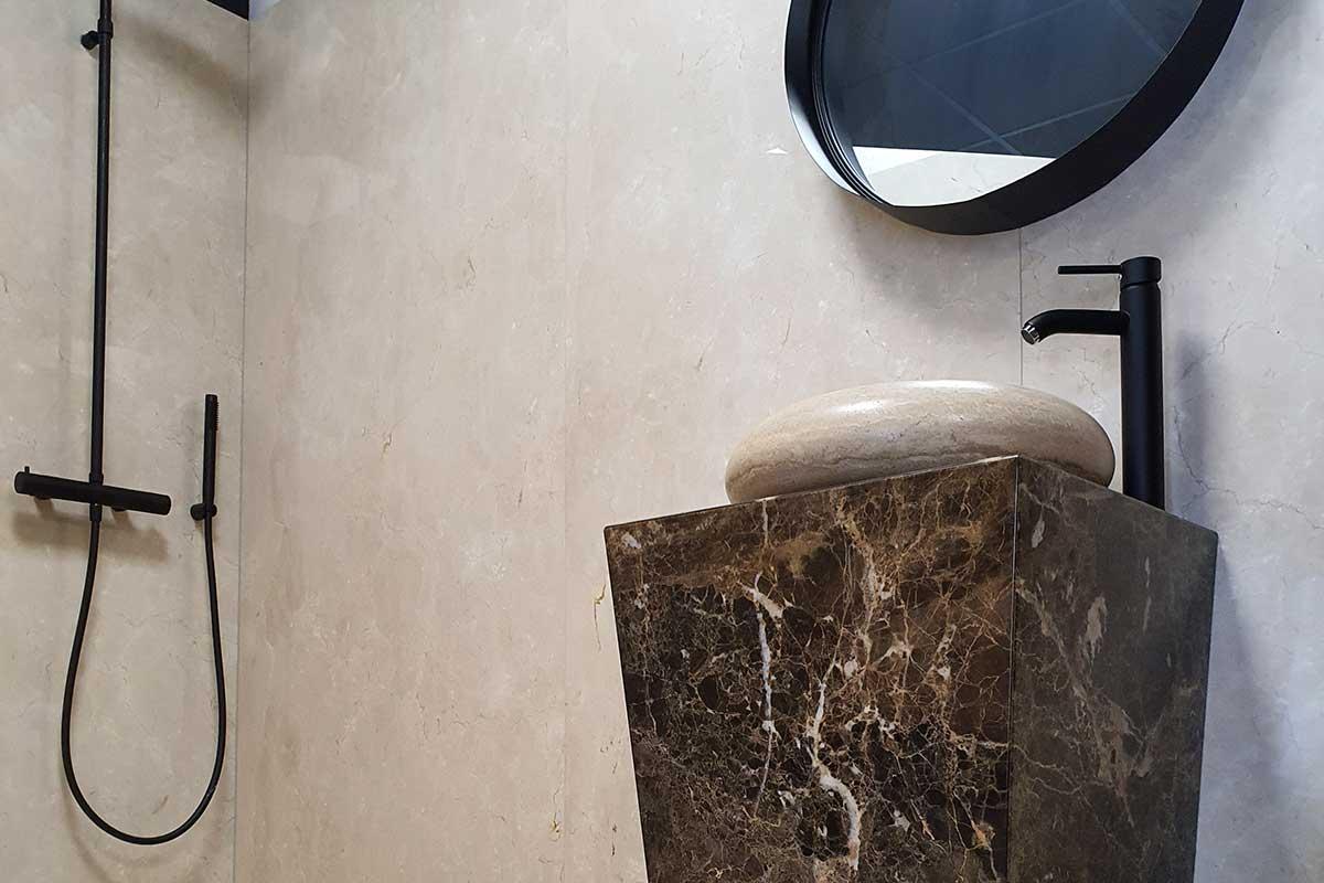 Salle de bain en granit - Vasque, lavabos et douches