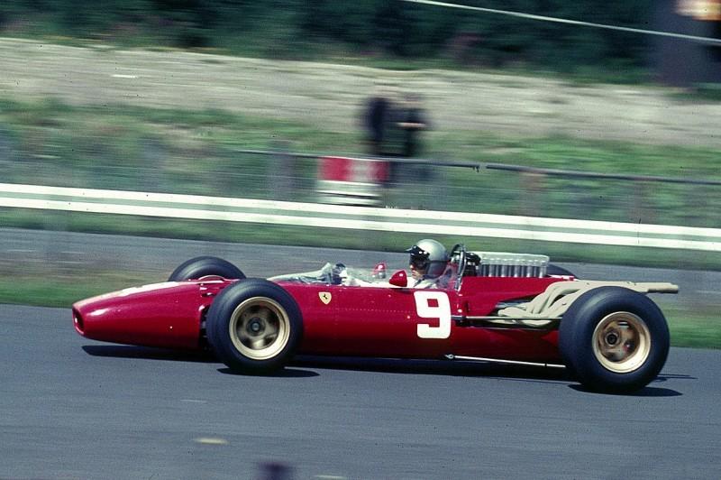 1200px-Bandini,_Lorenzo_-_Ferrari-12-Zylinder_1966