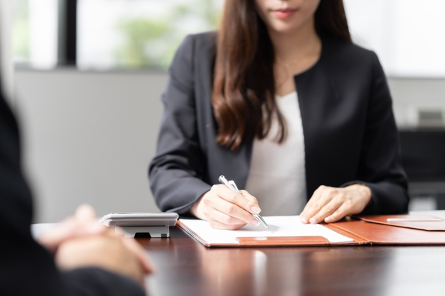 相続登記で必要になる書類:代理人に登記手続きを依頼する場合