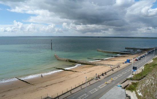 90bd3751 ramsgate harbour from west cliff beach