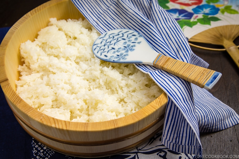 f50cb039 what makes sushi rice sticky