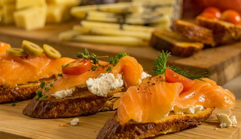Tabla de quesos, una excelente opción para las reuniones