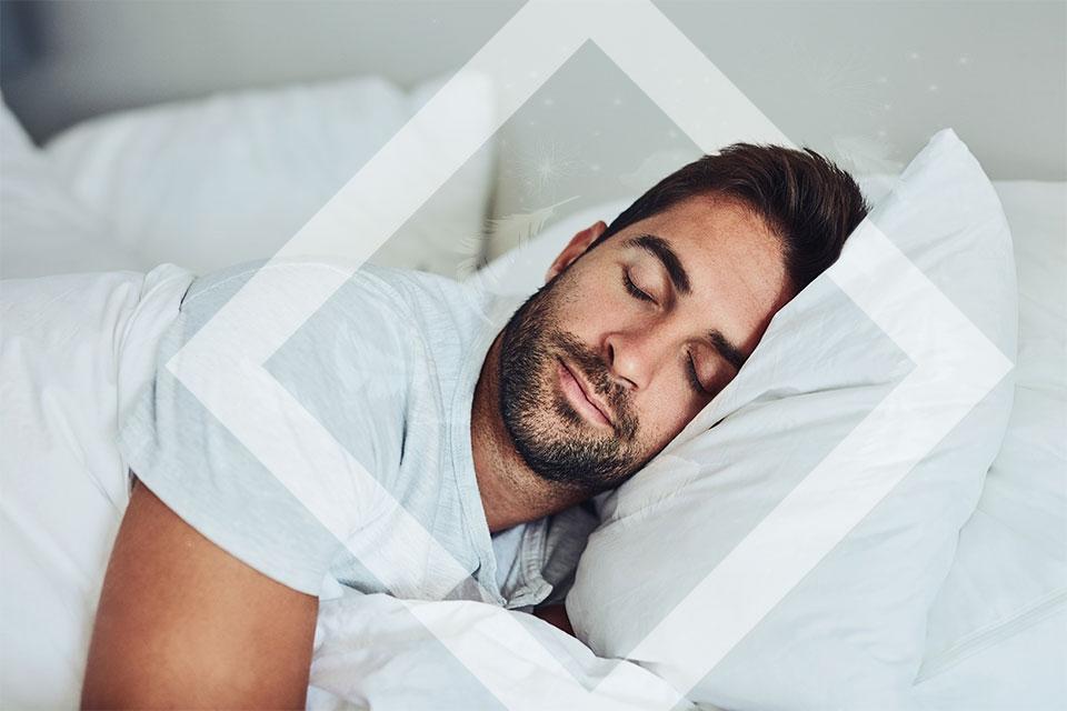 Hombre joven durmiendo