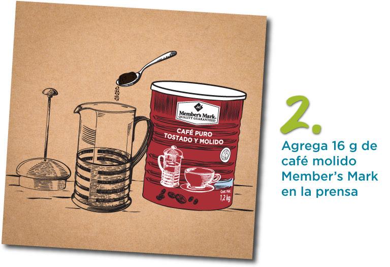 2. Agrega 16 g de café molido Member´s Mark a la prena