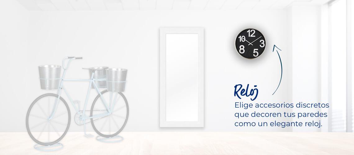 Reloj Elige accesorios discretos que decoren tus paredes como un elegante reloj.