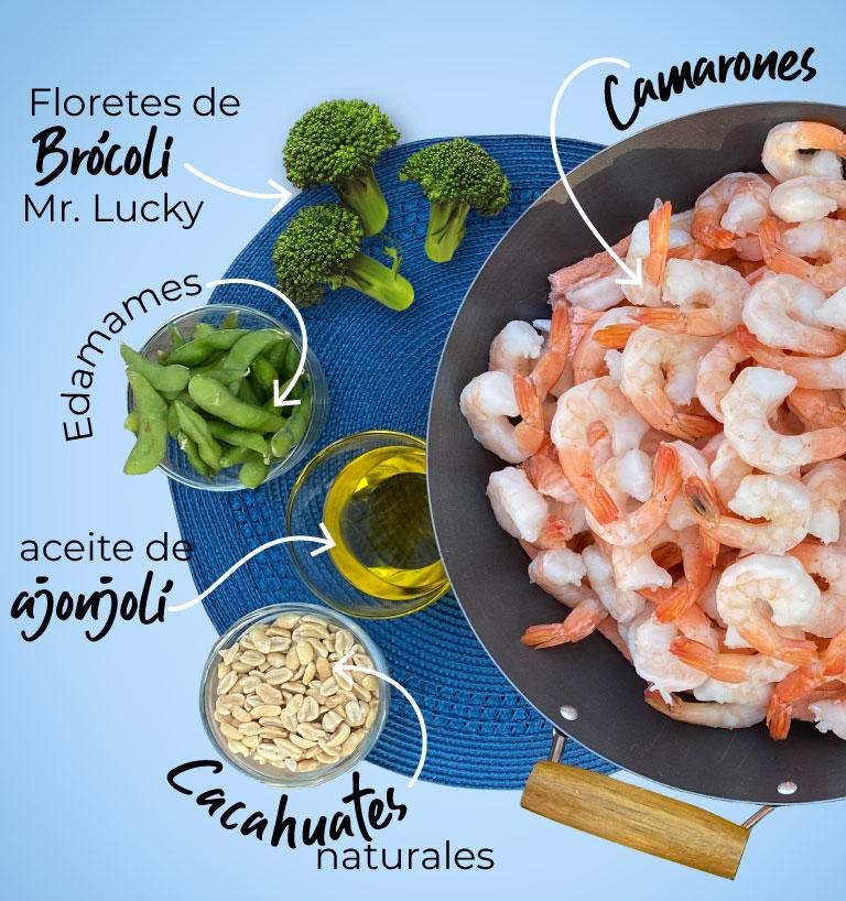 Floretes de brócili Mr. Lucky, edamames, aceite de ajonjolí, cacahuates naturales, camarones