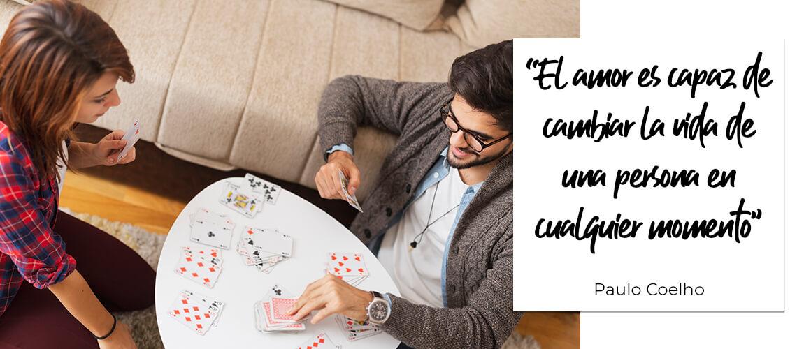 """""""El amor es capaz de cambiar la vida de una persona en cualquier momento"""". Paulo Coelho"""