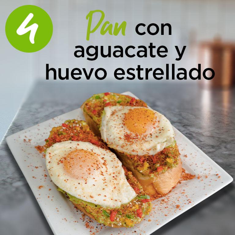 Pan con aguacate y huevo estrellado
