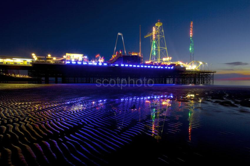 WY3Q3725 South Pier At Night Sands