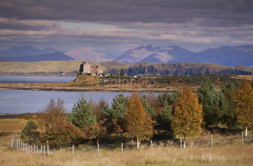 Y3Q9962 Autumn View Duart Castle From Mull