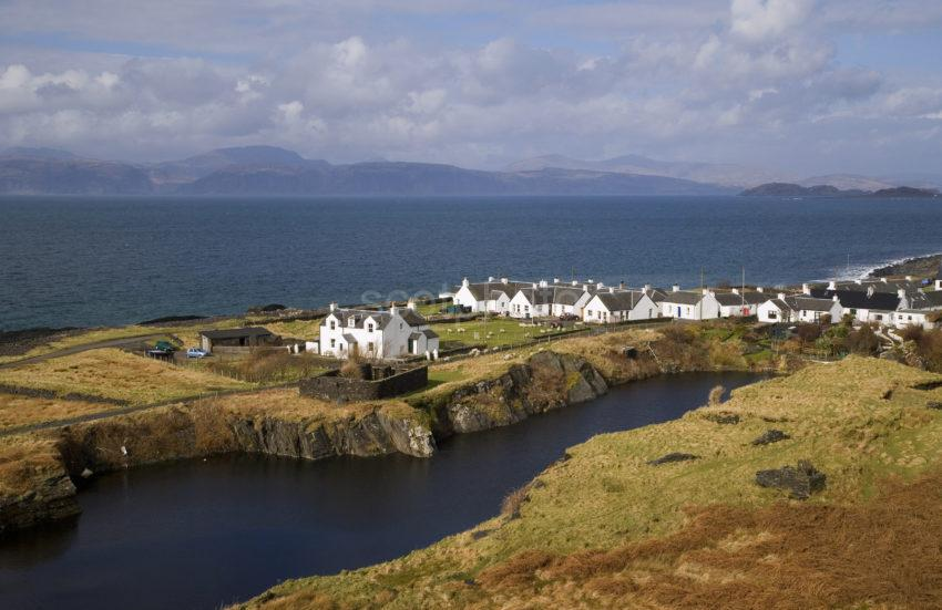 WY3Q2015 Village Of Cullapool Isle Of Luing