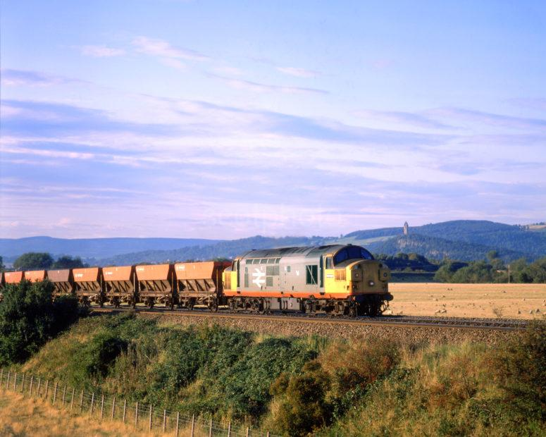 Class 37 Freight With Ore Wagons Passes Wallace Monument Stirling
