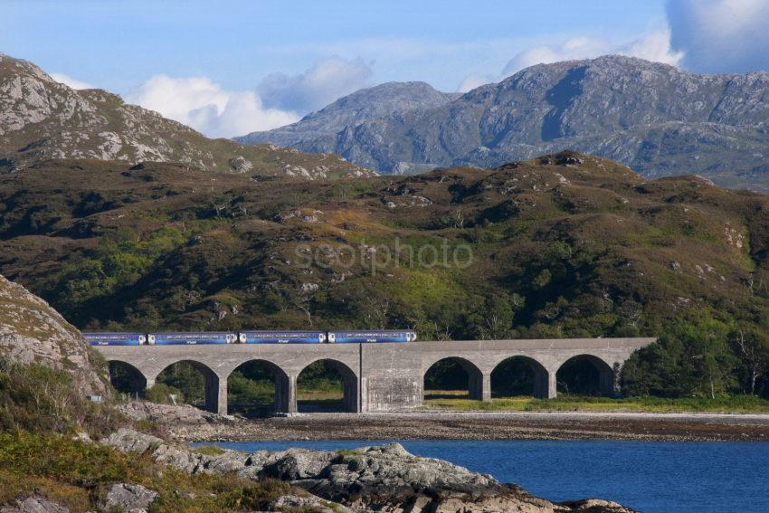 DSC 3699 4 COACH SPRINTER CROSSING MAMORE VIADUCT LOCH NAN UAMH MALALAIG LINE MEDIUM FILE