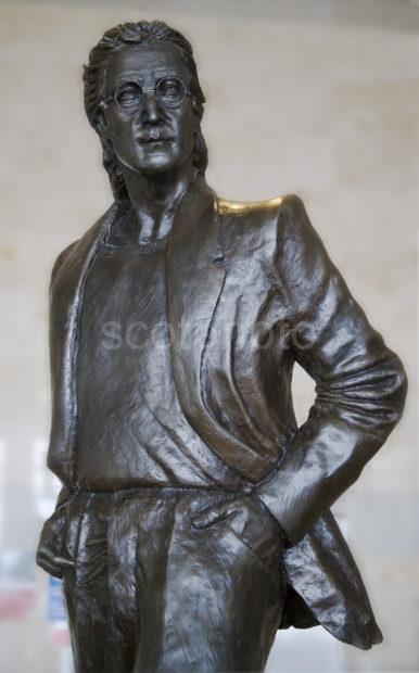 WY3Q0743 John Lennon Statue Liverpool Airport Full Frame