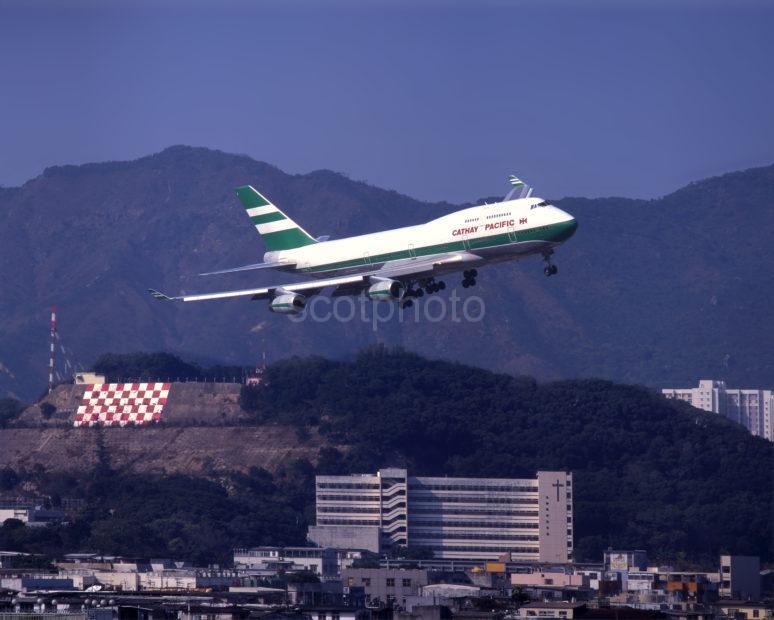 Cathay Pacific 747 Checkerboard Hill Kai Tak