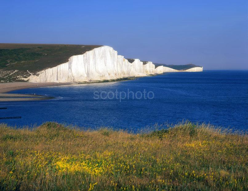 THE SEVEN SISTERS TOWARDS DISTANT BEACHY HEAD
