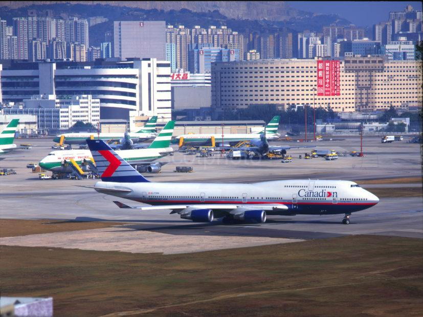 The Apron And Runway With Canadian 747 400 Kai Tak