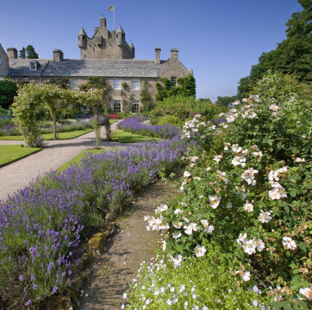 0I5D8896 Cawdor Castle From Gardens Nairnshire