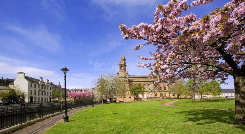 Towards Paisley Town Hall Spring