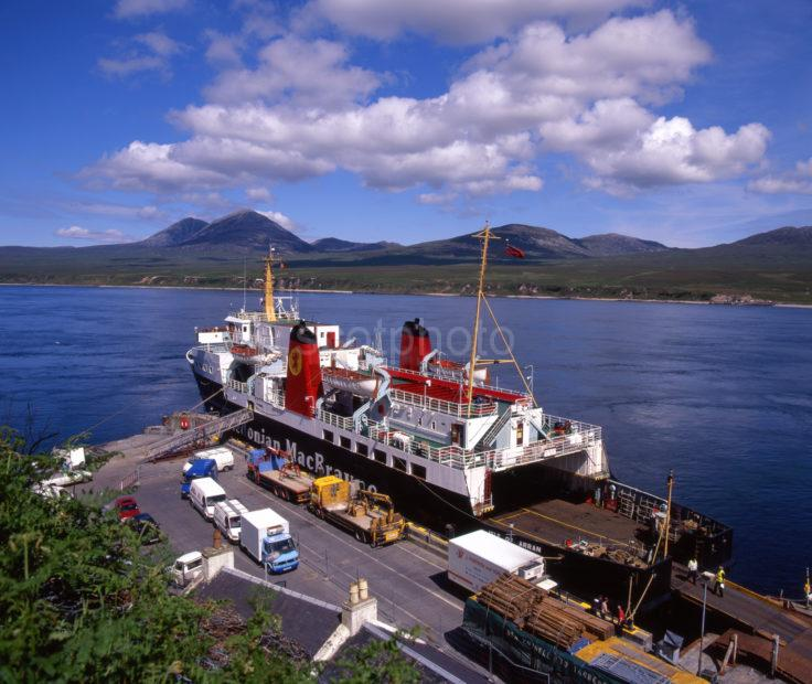 MV ISLE OF ARRAN AT PORT ASCAIG PIER PLUS PAPS OF JURA