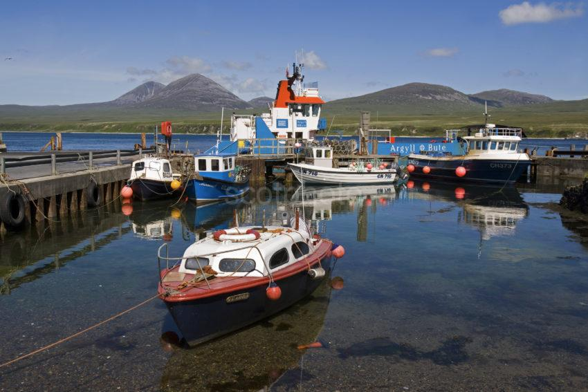 WY3Q1242 Port Askaig And The Paps Of Jura