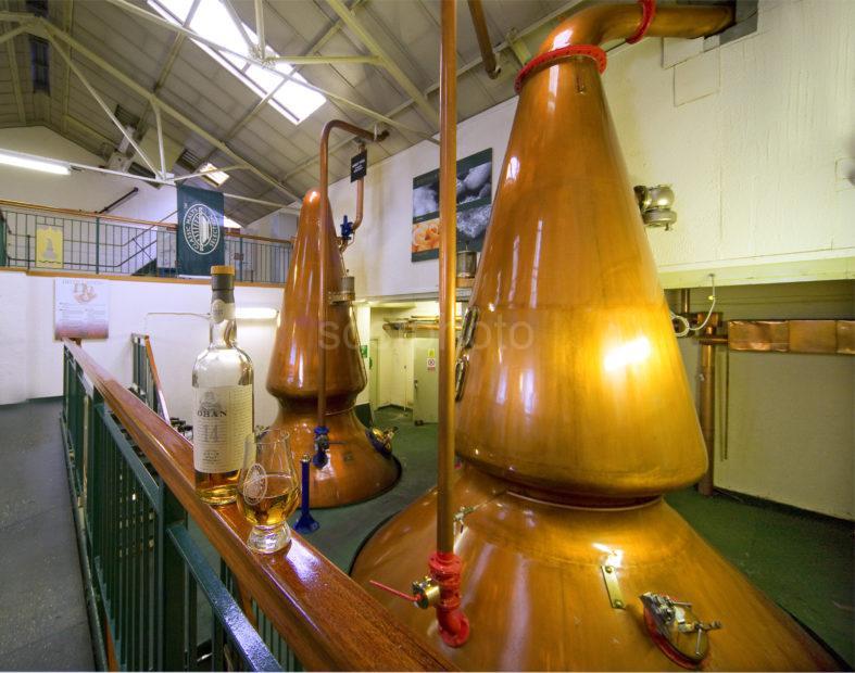 I5D1590 Latest Pic Of Oban Stillhouse With Whisky Bottle