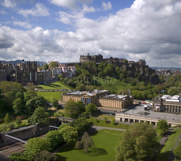 Y3Q9825 Edinburgh Castle From The Scott Monument