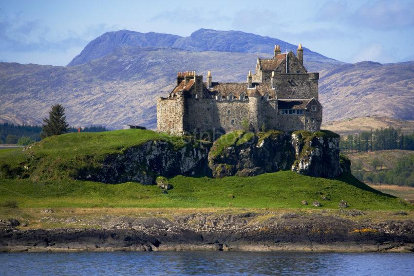 WY3Q9835 Duart Castle Tele From Ferry