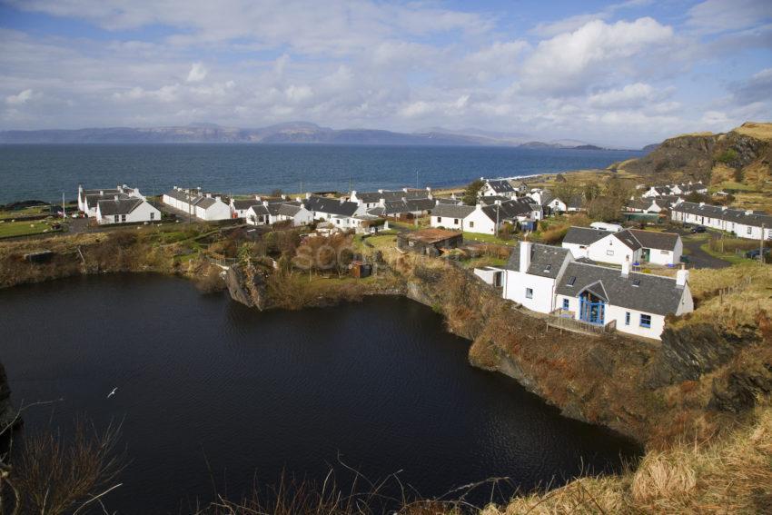 WY3Q2010 Cullapool Village Isle Of Luing Argyll