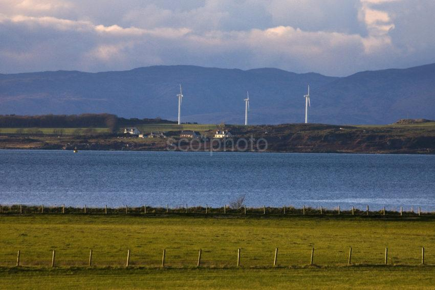 I5D0092 3 Windturbines Isle Of Gigha