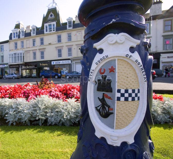 WY3Q0556 Rothesay Esplanade With Crest BUTE
