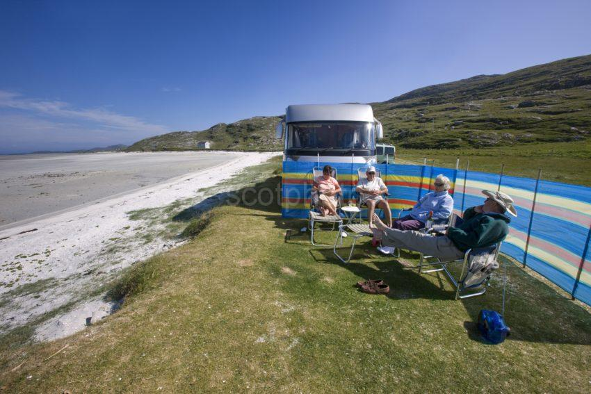 I5D0097 Tourists With Holiday Home Relax Nr The AirportI Island Of Barra