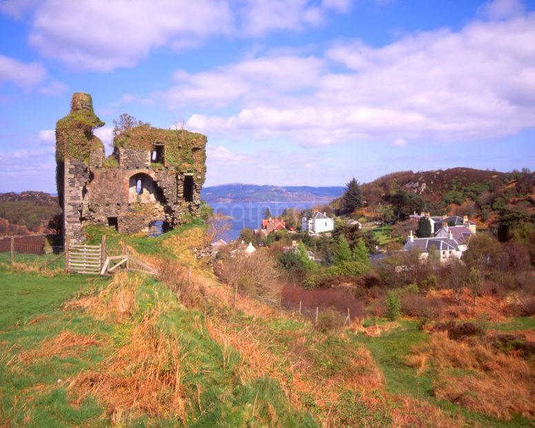 Tarbert Castle Ruins Overlooking Tarbert Loch Fyne
