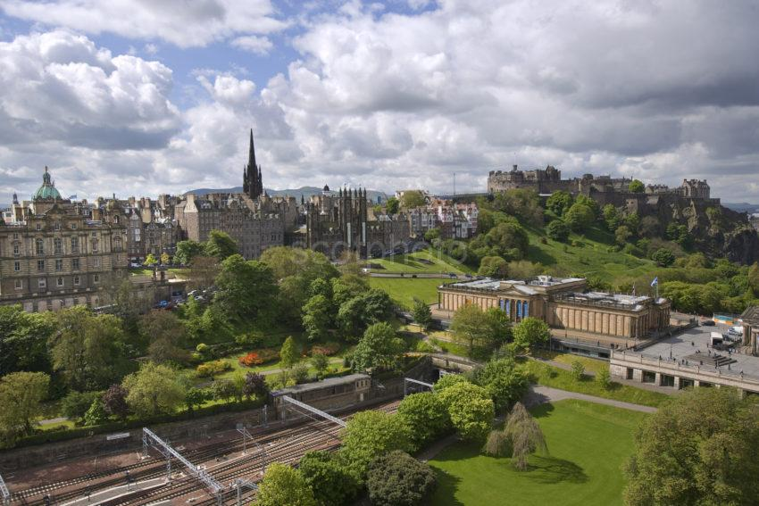 Y3Q9833 Great View Of Edinburgh From Scott Monument