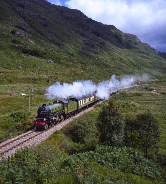 Ki Steam Train Nr Glenfinnan